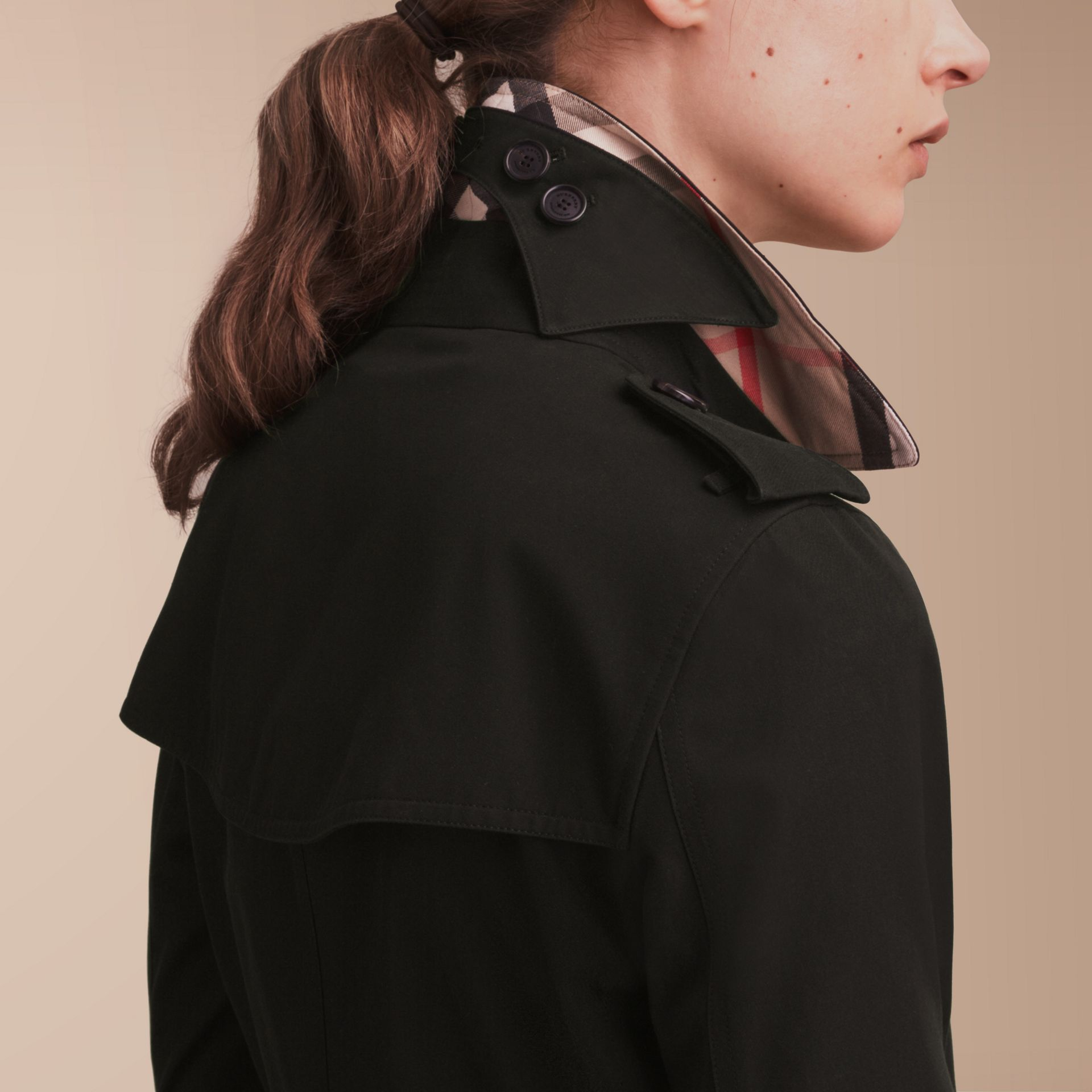 The Kensington - Trench coat Heritage medio Nero - immagine della galleria 5