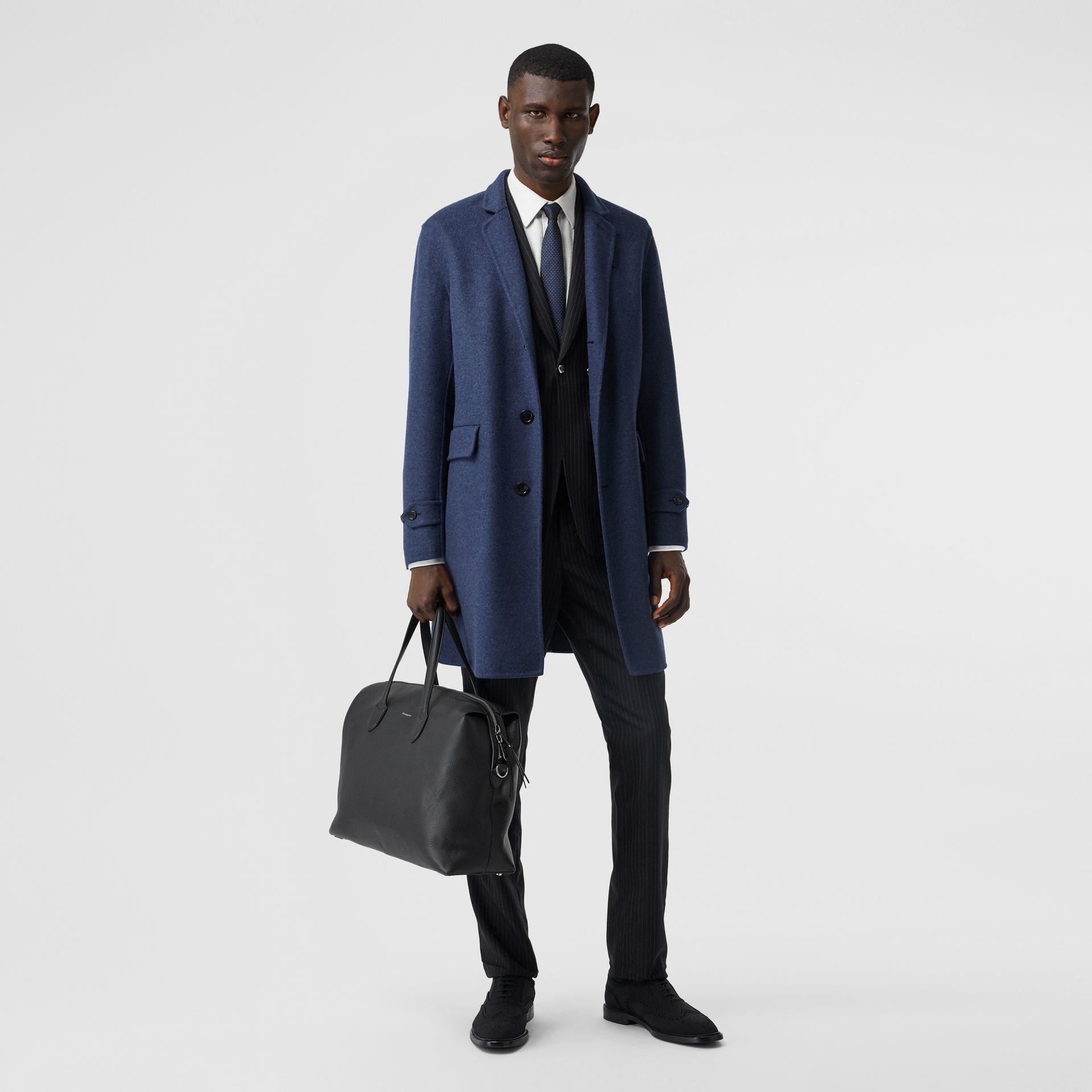 Grainy Leather Holdall in Black - Men | Burberry United Kingdom - gallery image 5