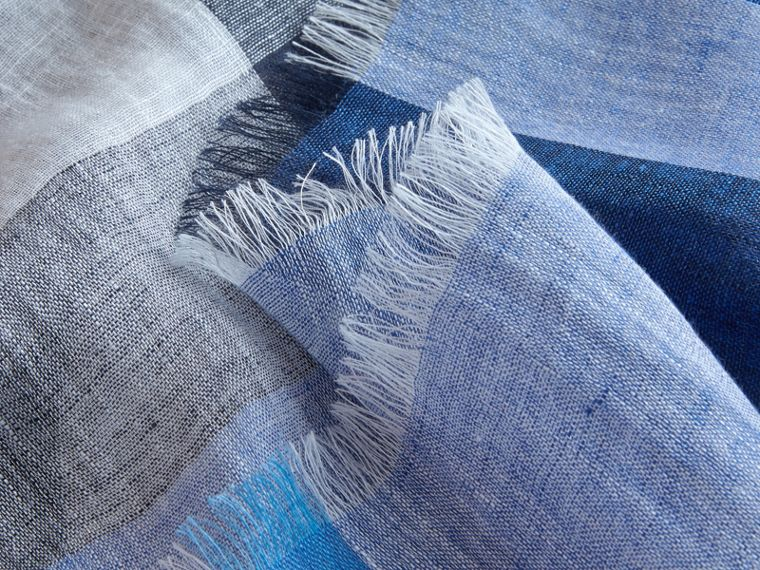 Lightweight Check Linen Scarf Chalk Blue - cell image 1