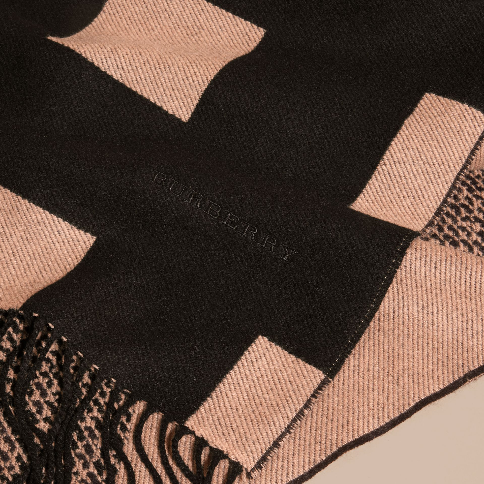 Mid camel/black Reversible Check Cashmere Scarf Mid Camel/black - gallery image 2