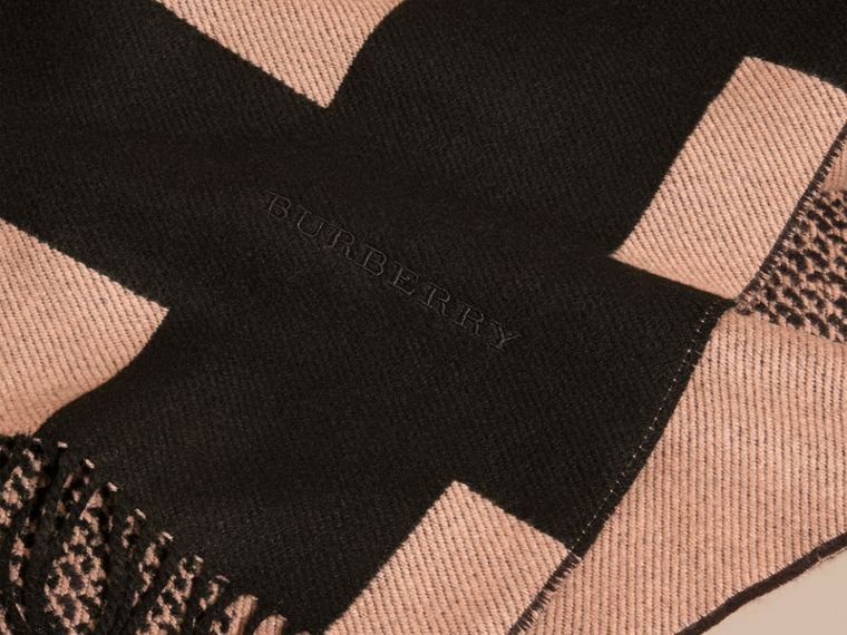 Mid camel/black Reversible Check Cashmere Scarf Mid Camel/black - cell image 1