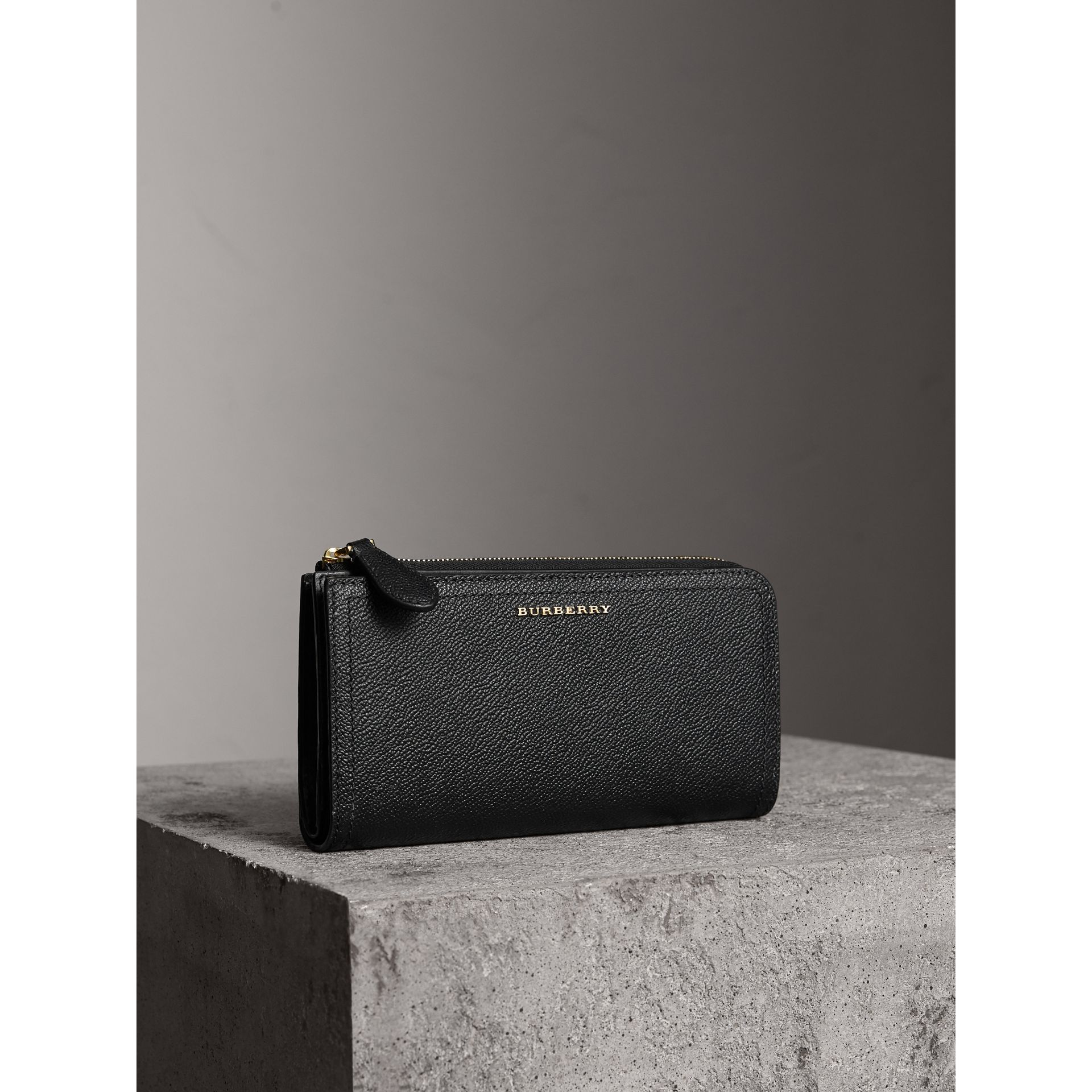 Grainy Leather Ziparound Wallet in Black - Women | Burberry Australia - gallery image 1