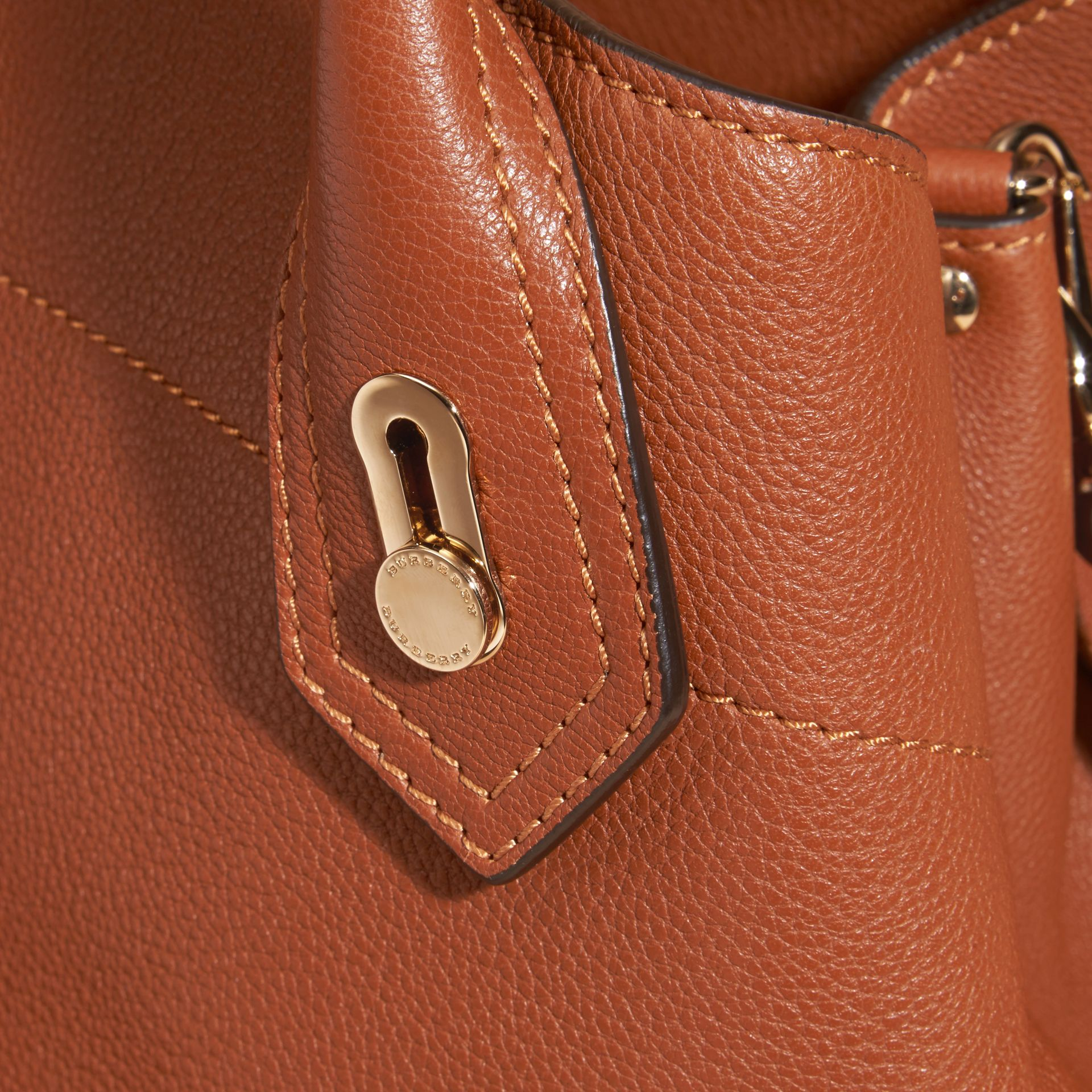 Bright toffee The Medium Milton in Grainy Leather Bright Toffee - gallery image 2