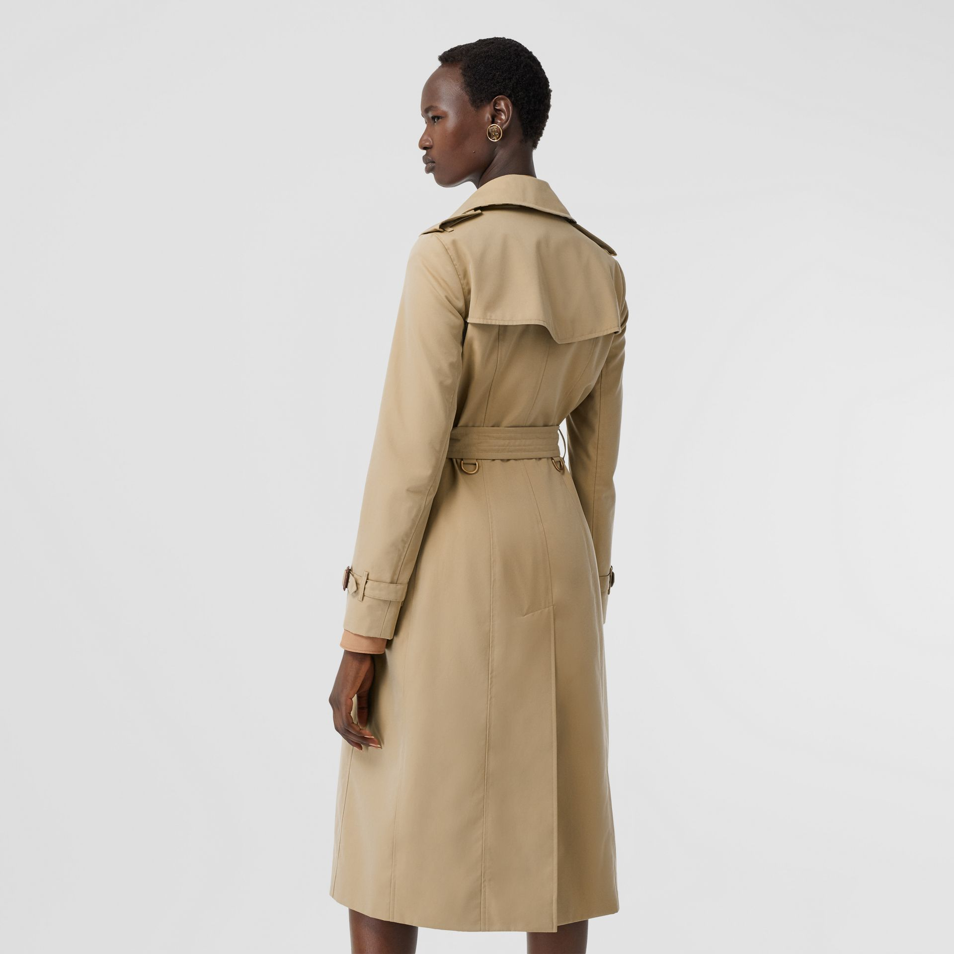 The Long Chelsea Heritage Trench Coat in Honey | Burberry - gallery image 6