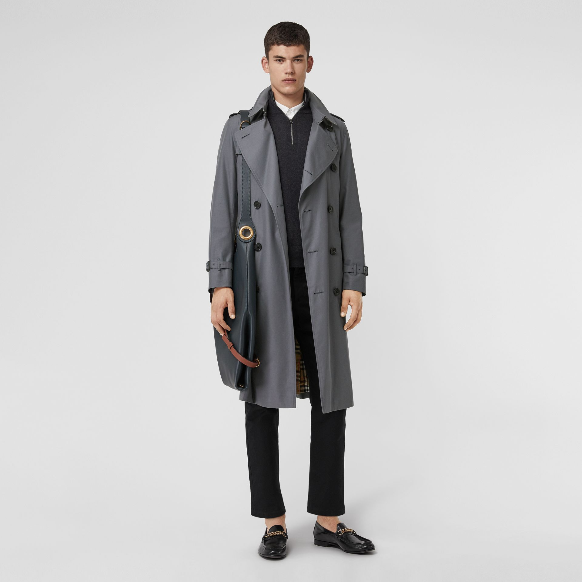 The Long Chelsea Heritage Trench Coat in Mid Grey - Men | Burberry Canada - gallery image 6