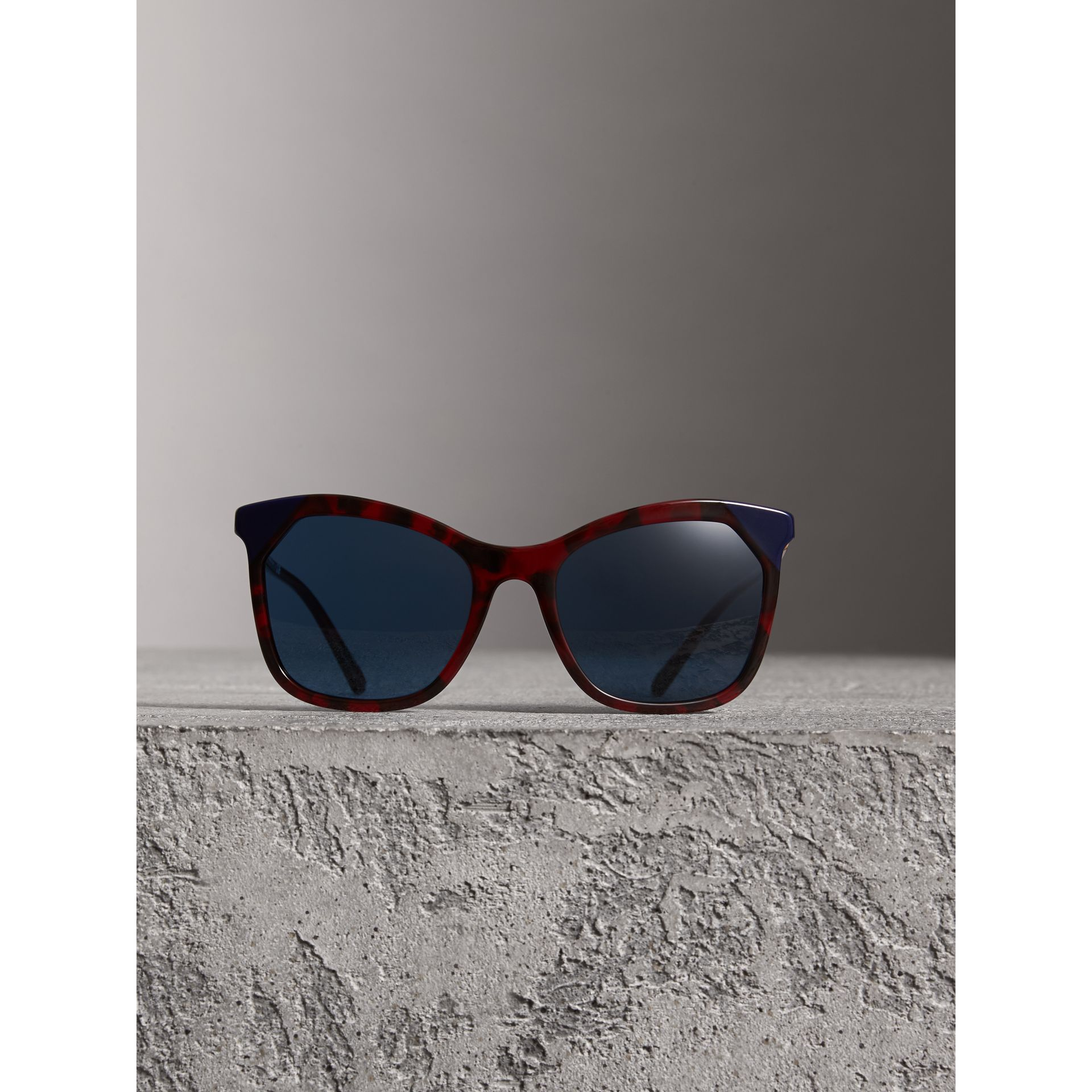 Tortoiseshell Square Frame Sunglasses in Red - Women | Burberry Australia - gallery image 2