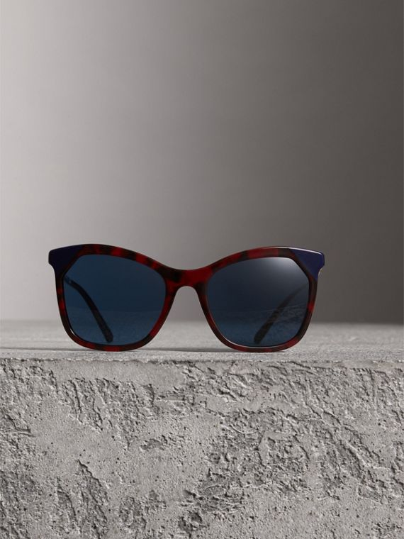Tortoiseshell Square Frame Sunglasses in Red - Women | Burberry United Kingdom - cell image 2