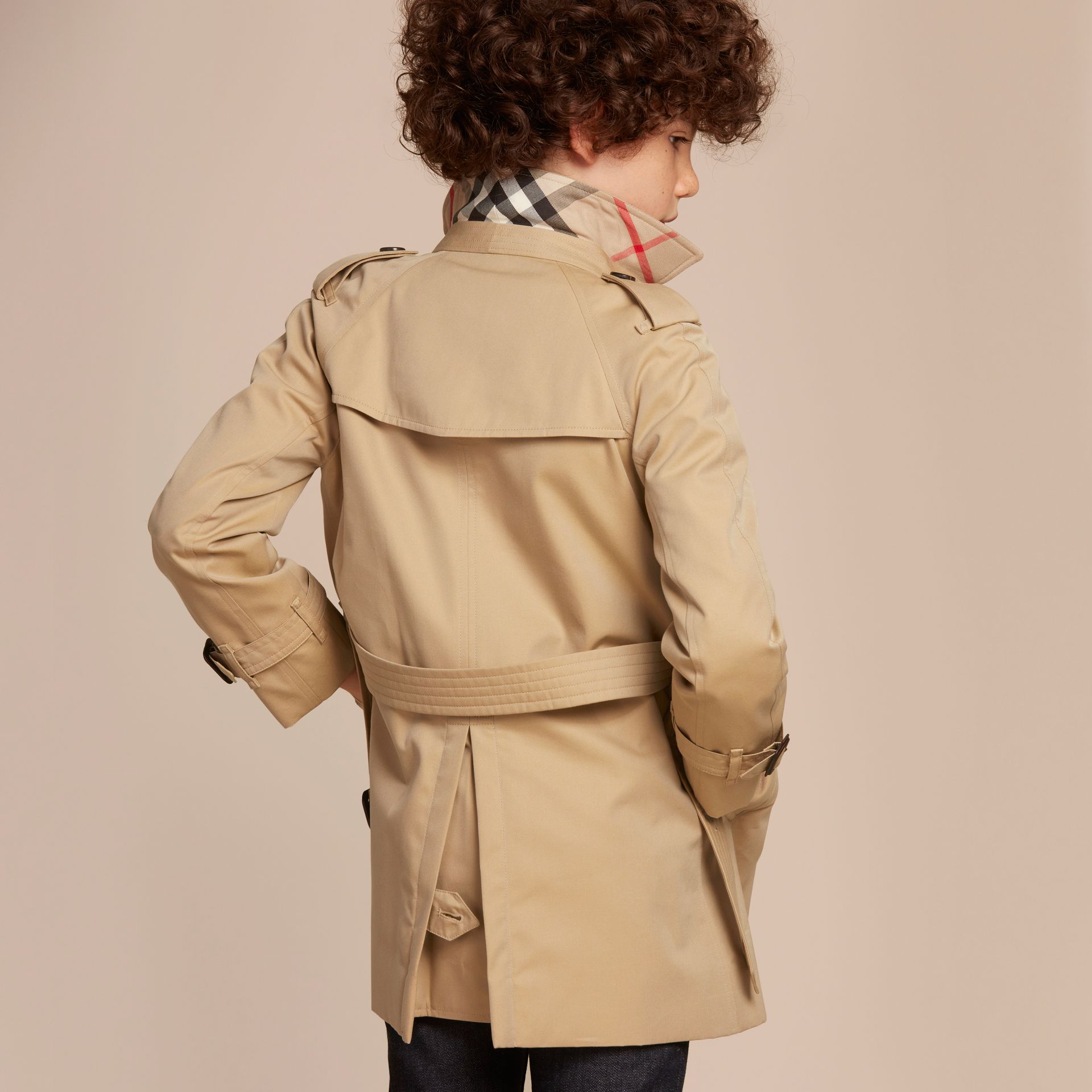 The Wiltshire – Heritage Trench Coat in Honey - Boy | Burberry - gallery image 4