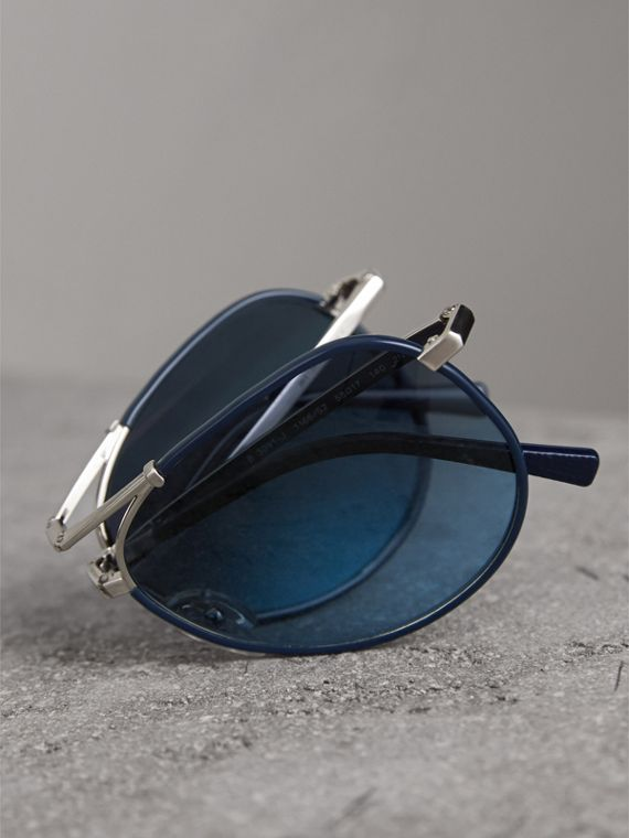 Folding Pilot Sunglasses in Navy - Men | Burberry United Kingdom - cell image 3