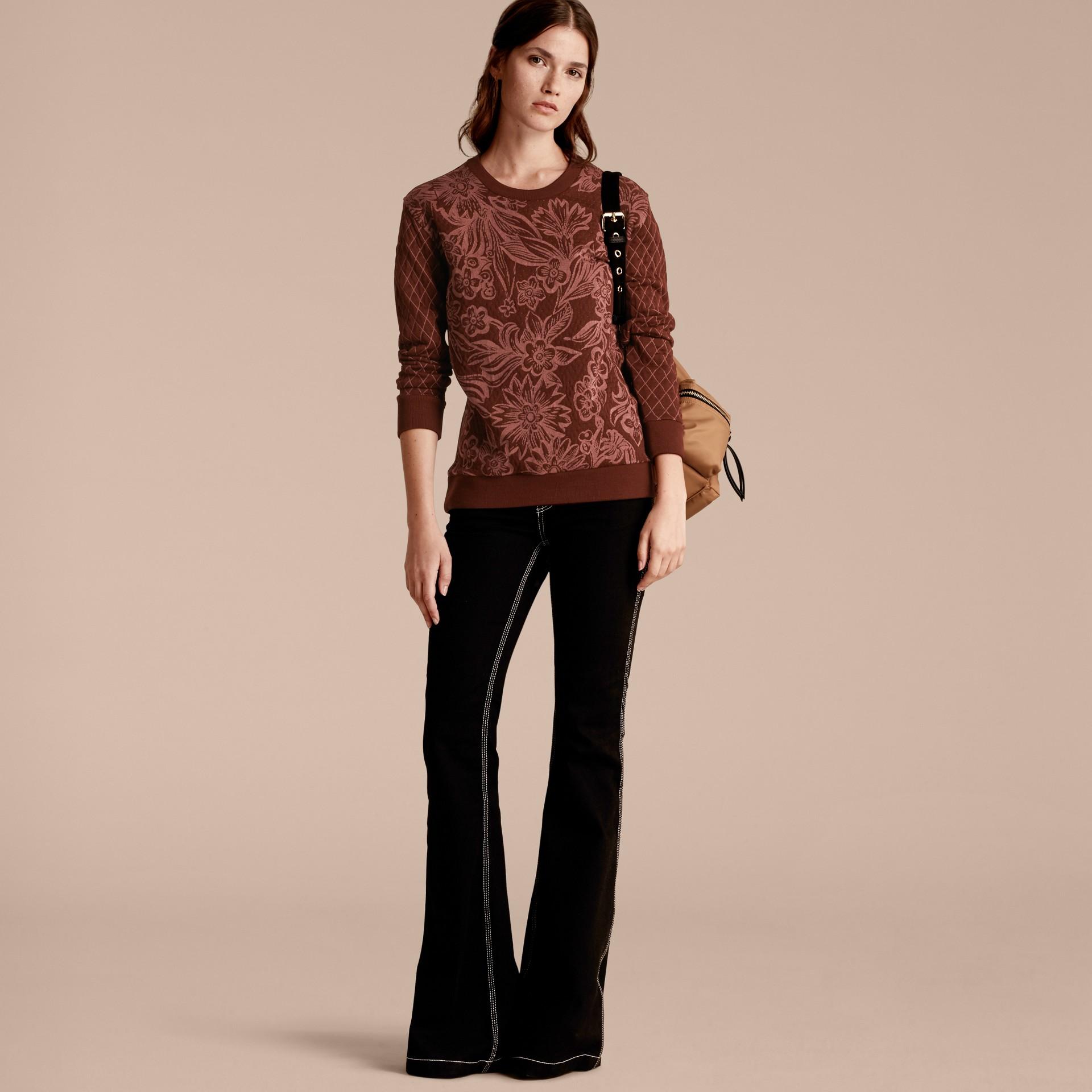 Granata Pullover in misto cotone e lana con motivo floreale in jacquard - immagine della galleria 6