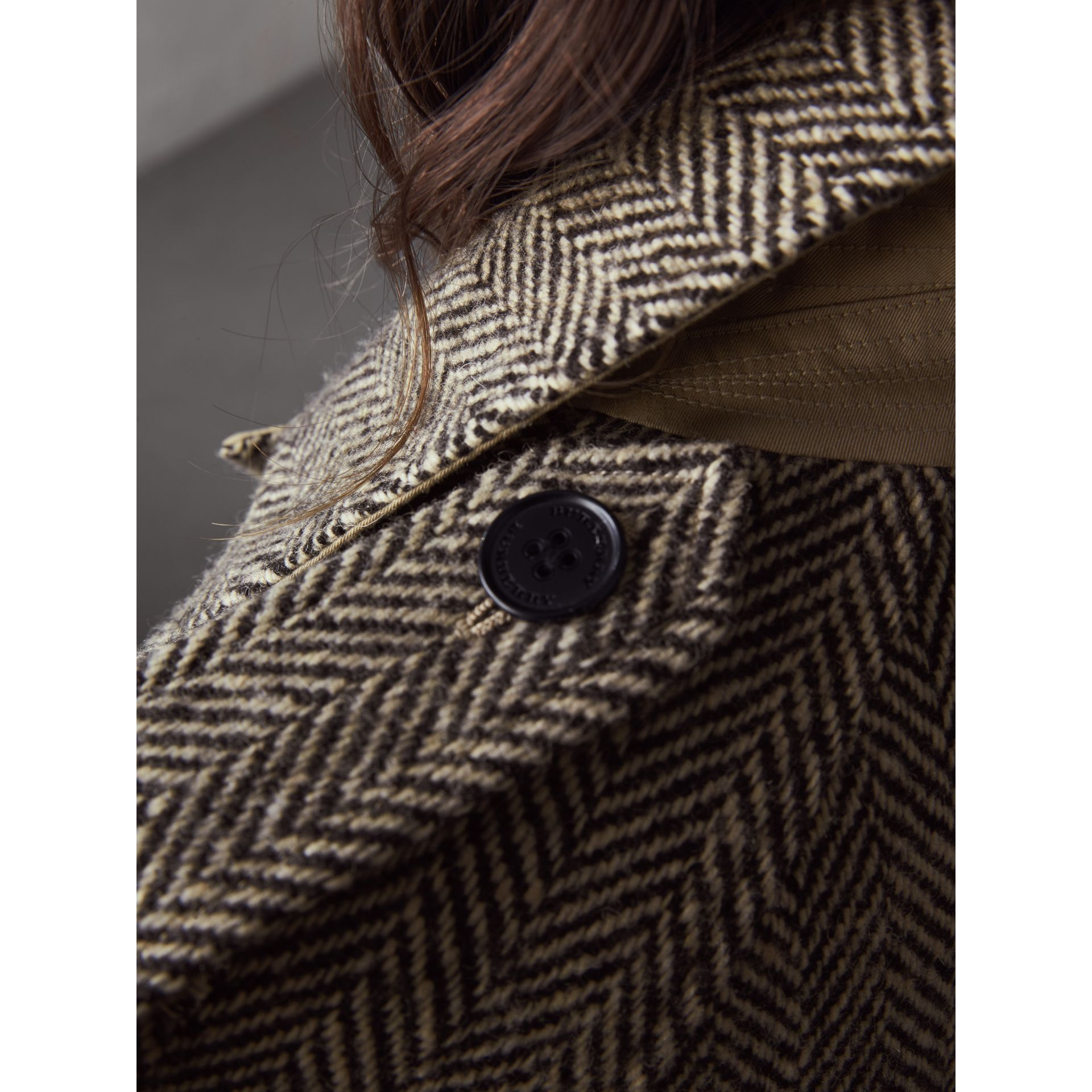 Reversible Donegal Tweed and Gabardine Trench Coat - Women | Burberry Hong Kong - gallery image 5