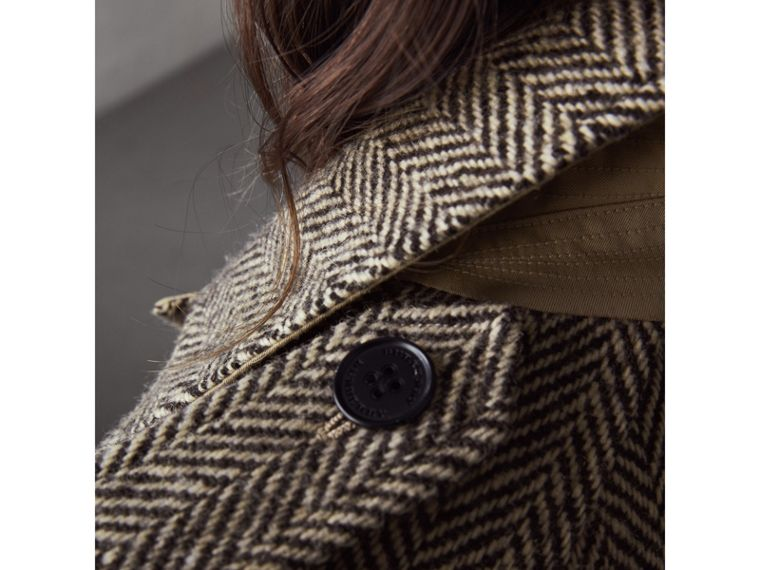 Reversible Donegal Tweed and Gabardine Trench Coat in Natural White/black - Women | Burberry - cell image 4