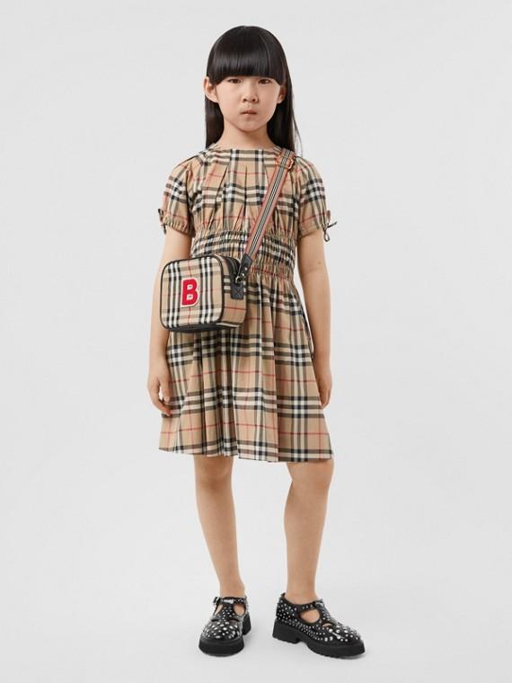 Vestido de algodão com estampa Vintage Check e recorte franzido (Bege Clássico)