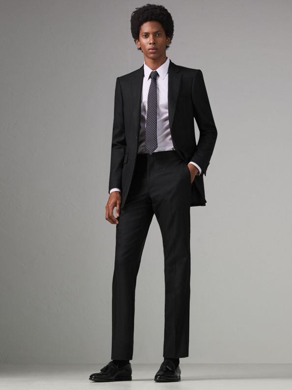 Modern Fit Wool Twill Suit in Black