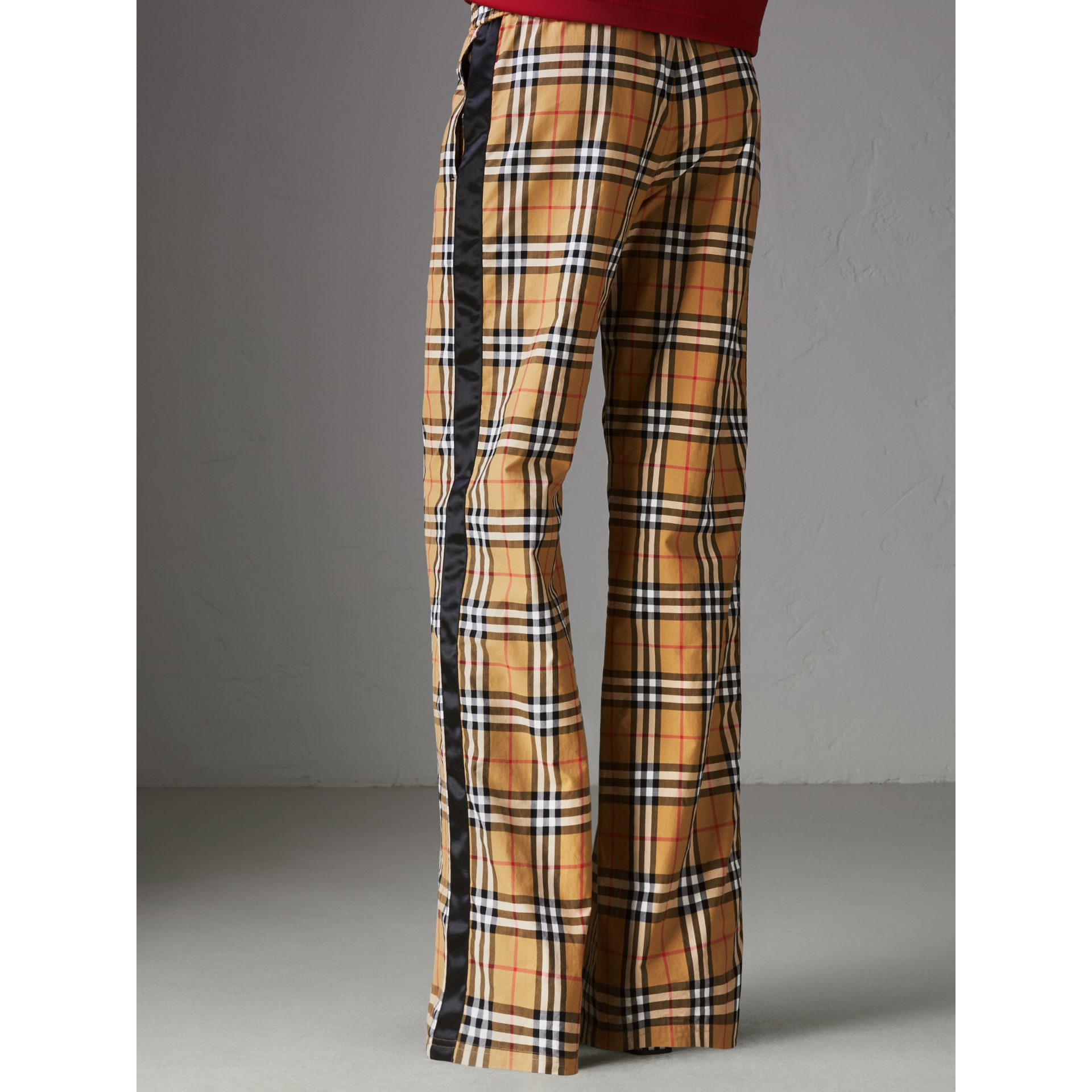 Pantalon à motif Vintage check avec cordon de serrage (Jaune Antique) - Femme | Burberry - photo de la galerie 2