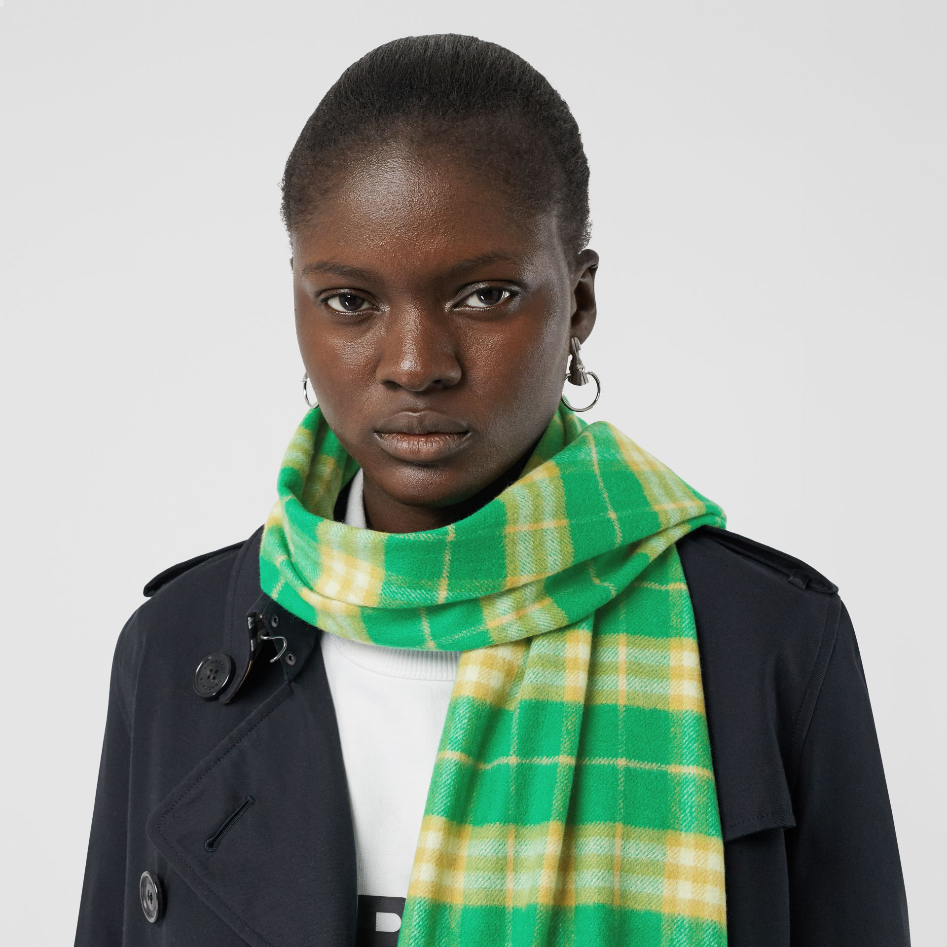 The Classic Vintage Check Cashmere Scarf in Tourmaline Green | Burberry Australia - gallery image 2