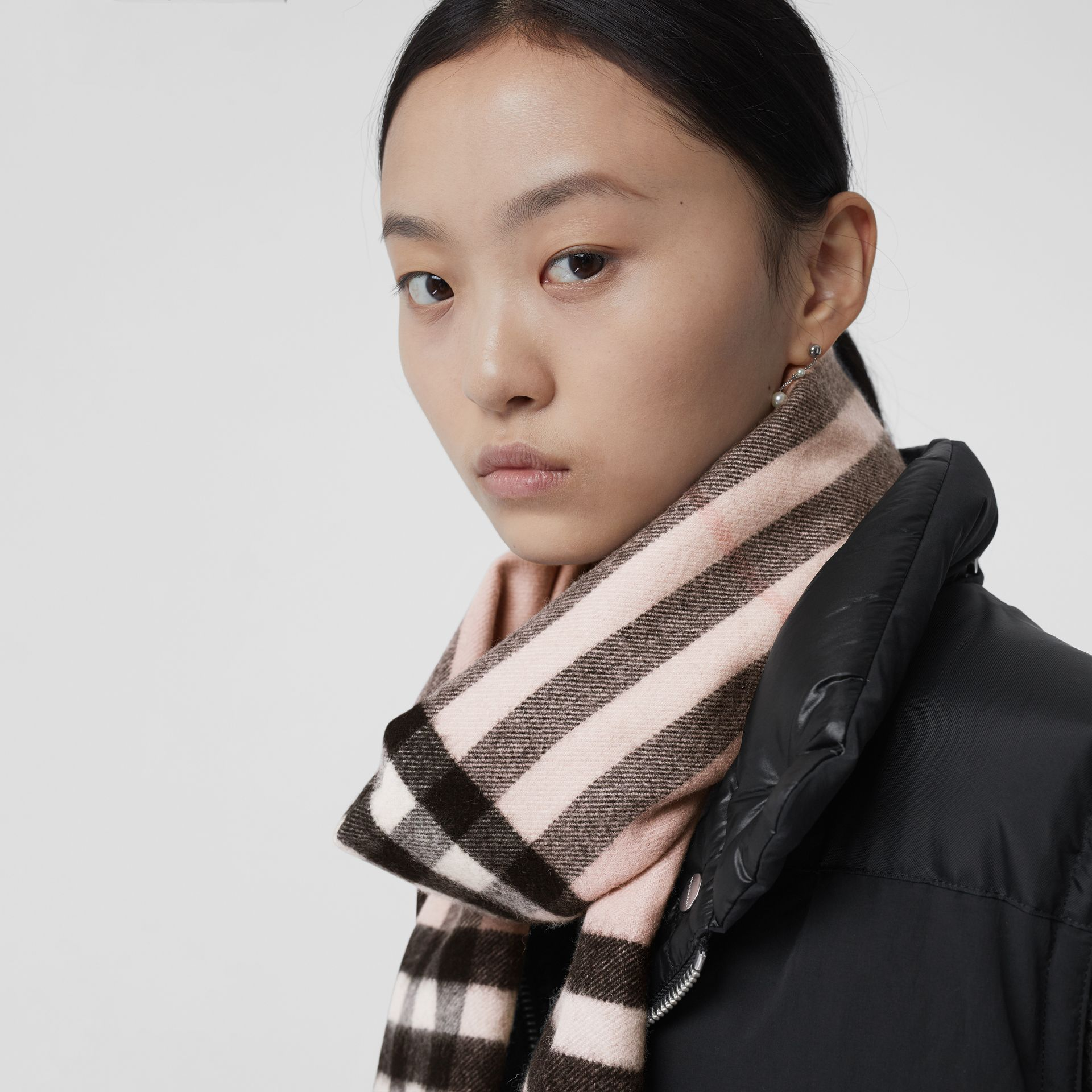 The Classic Check Cashmere Scarf in Ash Rose | Burberry United Kingdom - gallery image 6