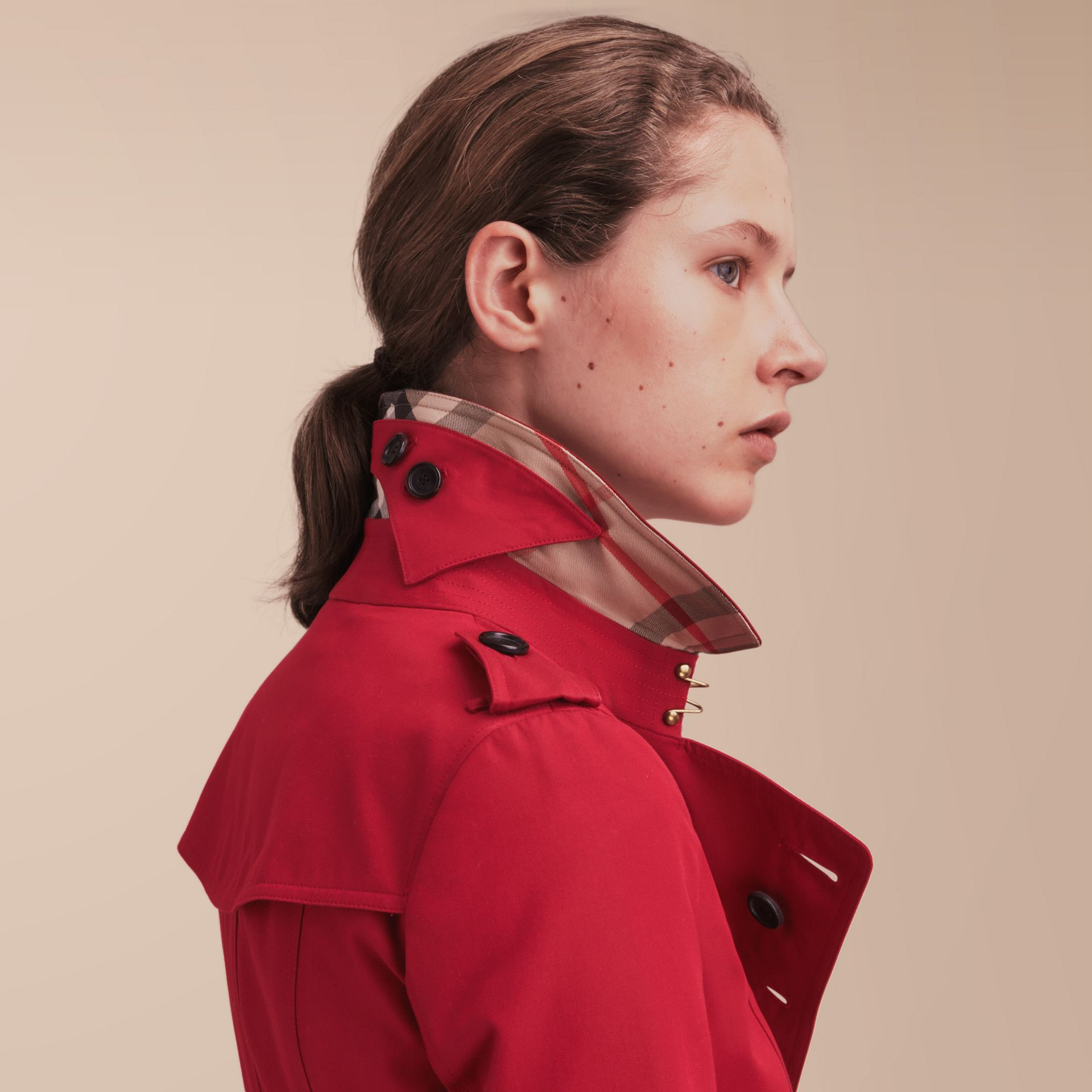 The Chelsea – Short Heritage Trench Coat in Parade Red - gallery image 6