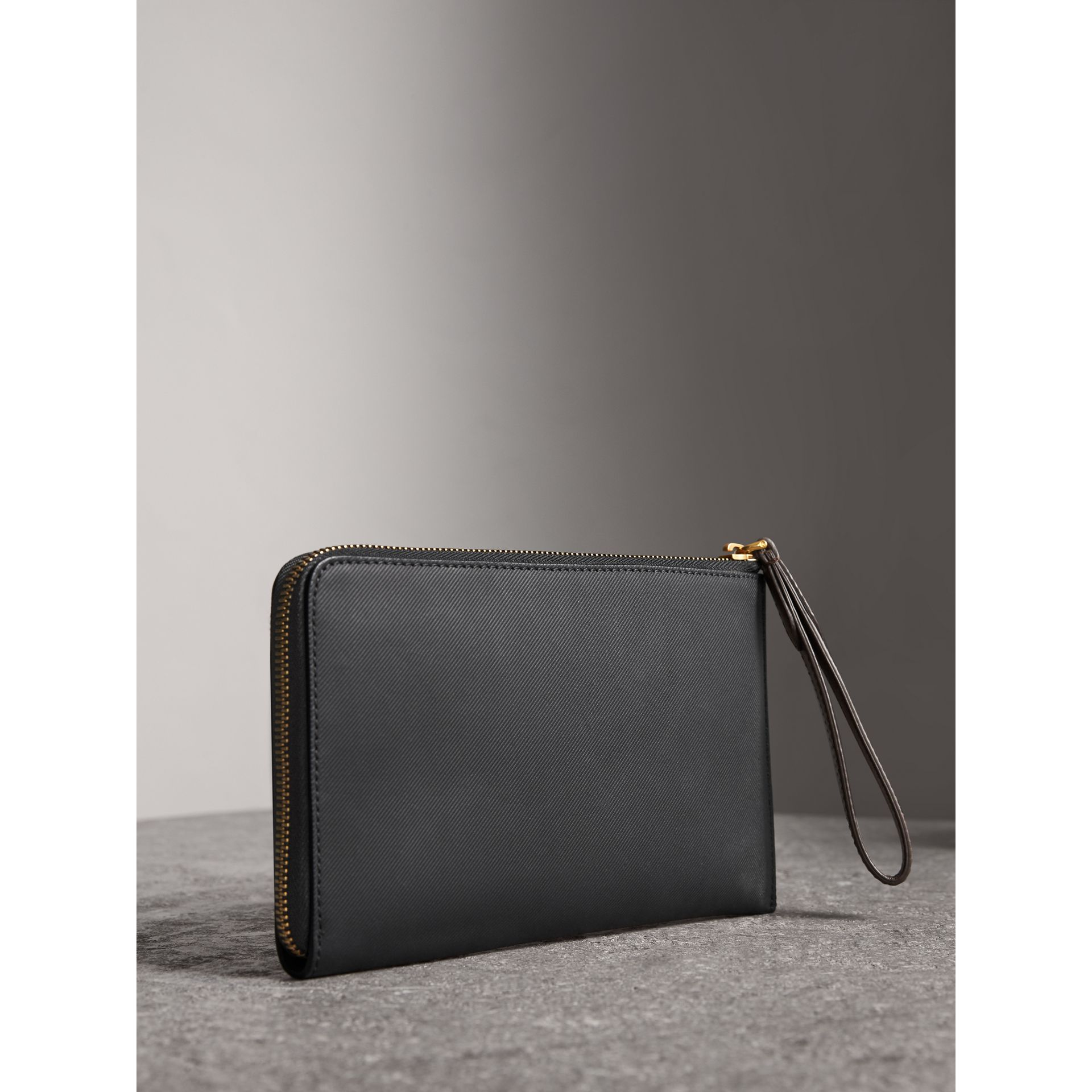 Two-tone Trench Leather Travel Wallet in Black - Men | Burberry - gallery image 3