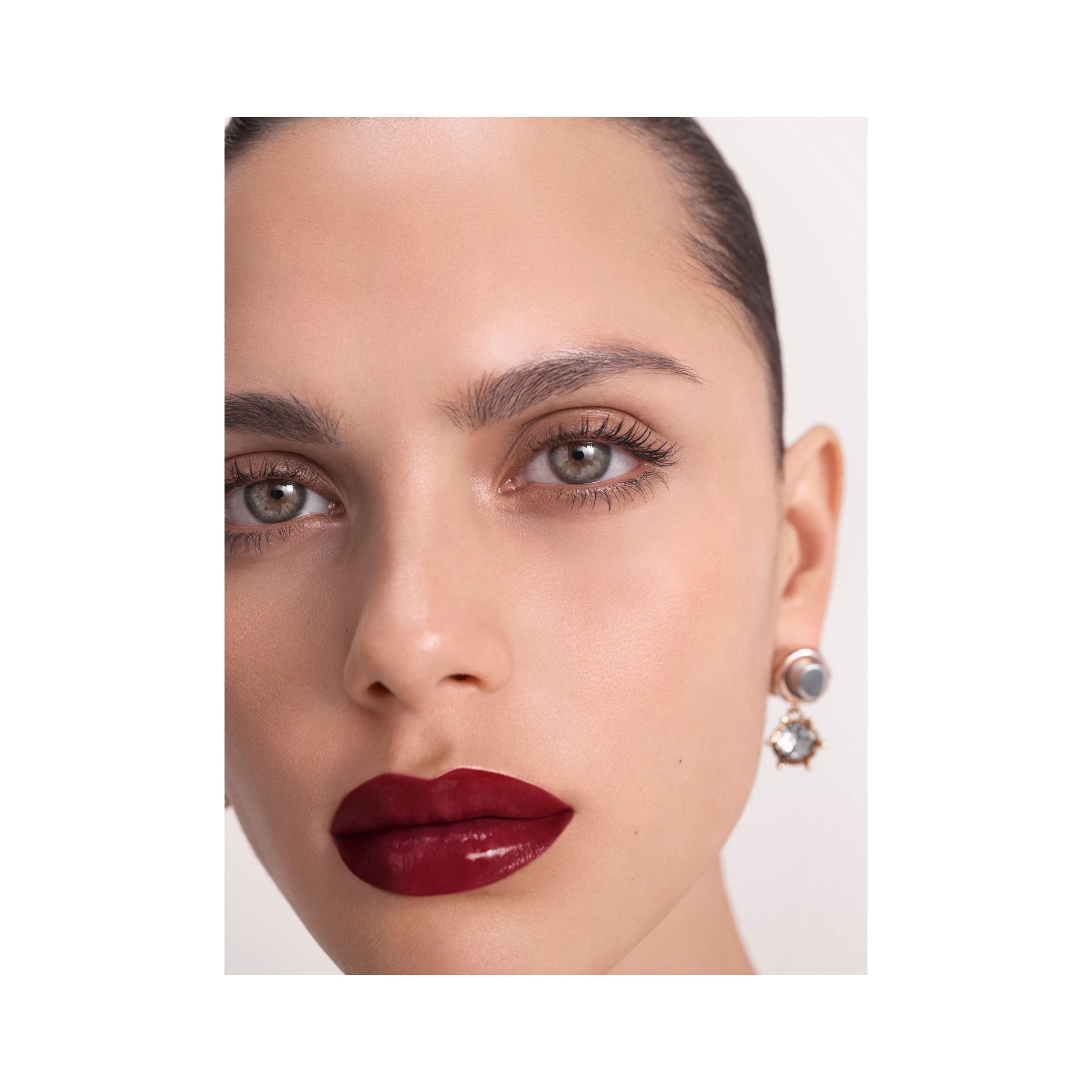 Burberry Kisses Lip Lacquer – Oxblood No. 53 - Mujer | Burberry - 2
