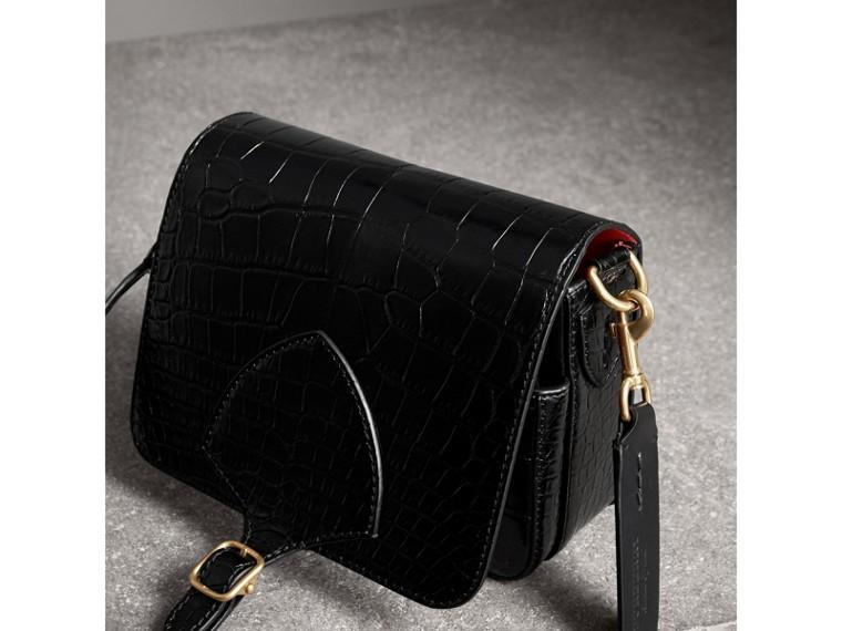 Сумка-портфель Satchel квадратной формы из кожи крокодила (Черный) - Для женщин | Burberry - cell image 4