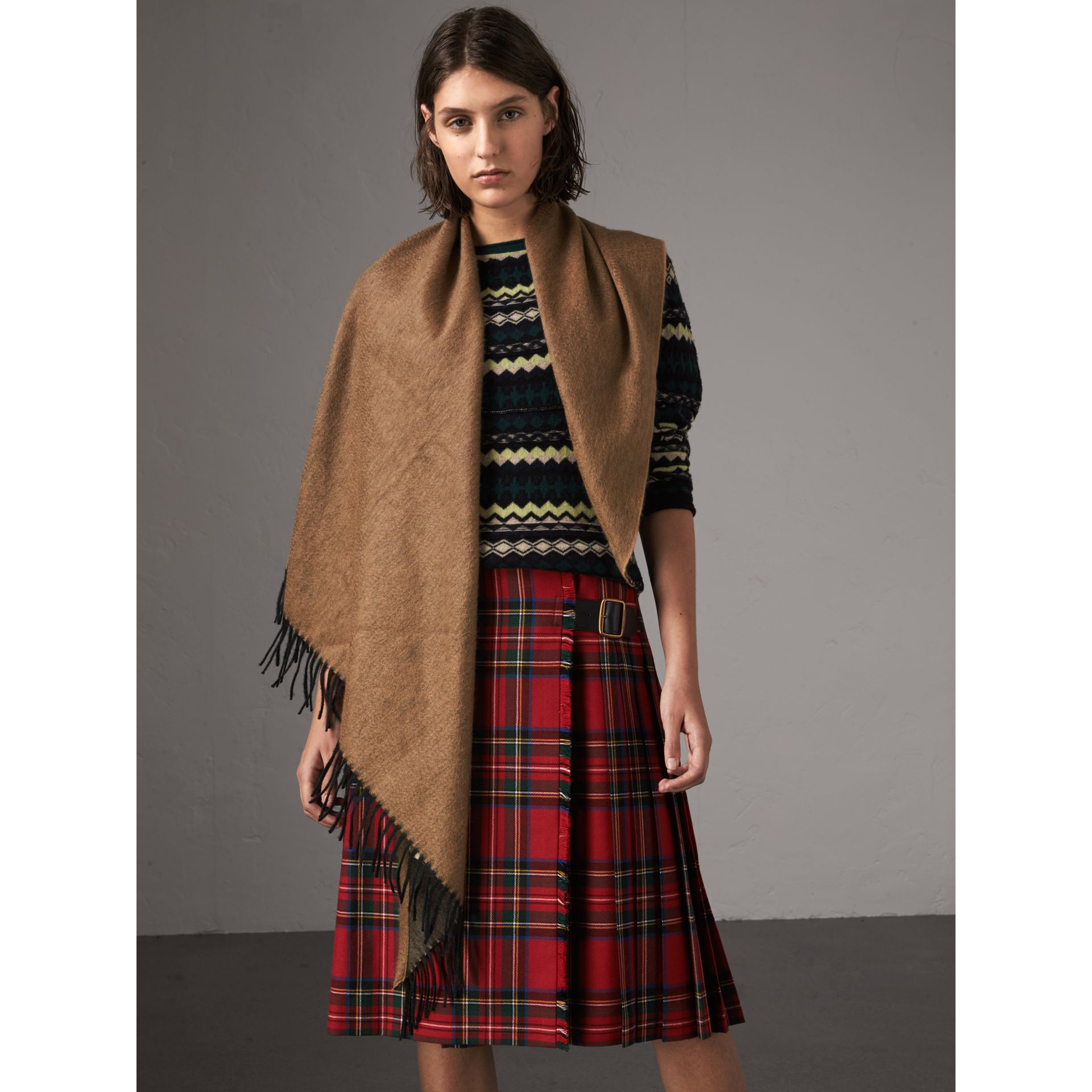 The Burberry Bandana in Cashmere in Camel/black | Burberry - gallery image 6