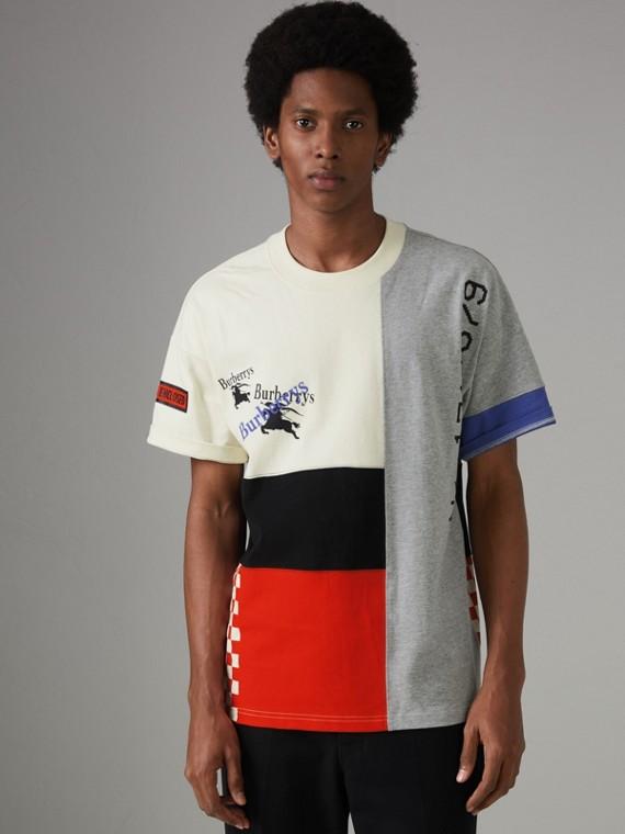 Baumwoll-T-Shirt in Paneloptik mit Vintage-Logo (Naturweiss)