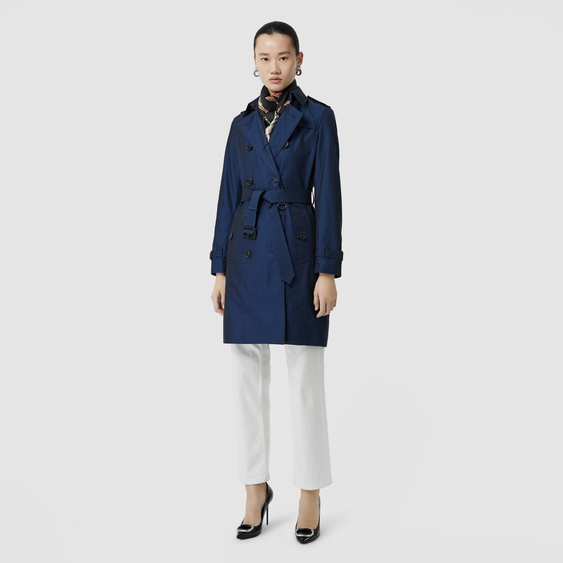 Kensington Fit Tropical Gabardine Trench Coat in Bright Regency Blue - Women | Burberry United Kingdom - gallery image 0