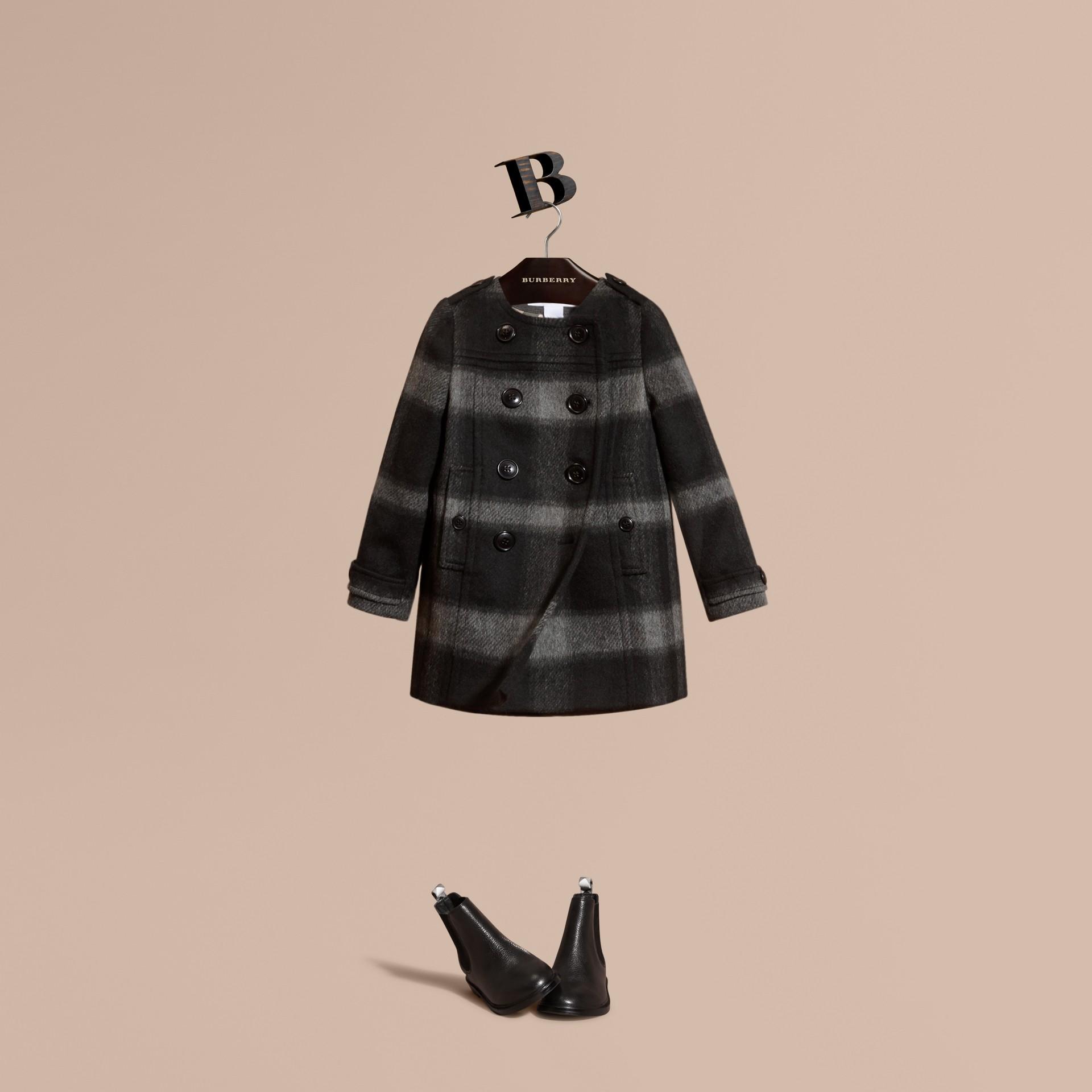Nero fumo scuro Cappotto senza colletto in misto lana con motivo check - immagine della galleria 1