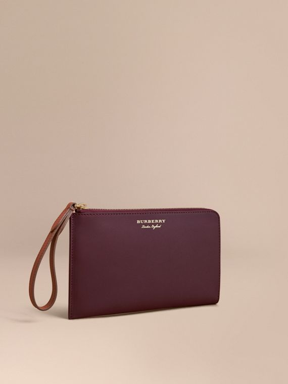Two-tone Trench Leather Travel Wallet in Wine