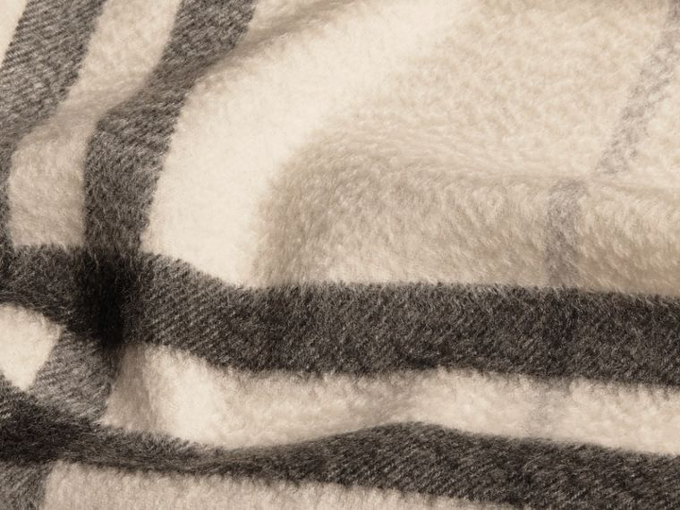 The Classic Cashmere Scarf in Check in Natural White - cell image 4