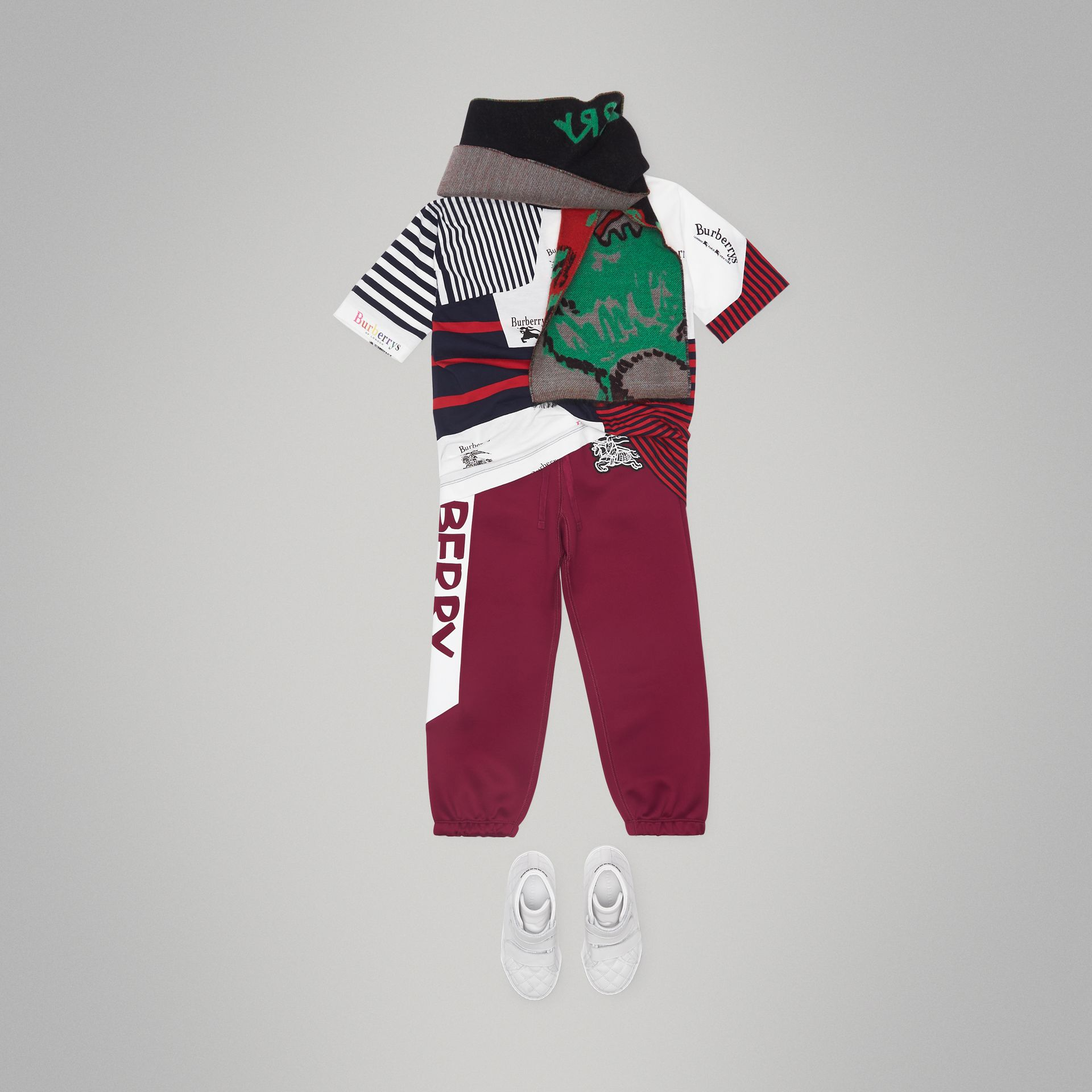 Graffiti Print Jersey Sweatpants in Burgundy - Boy | Burberry - gallery image 2