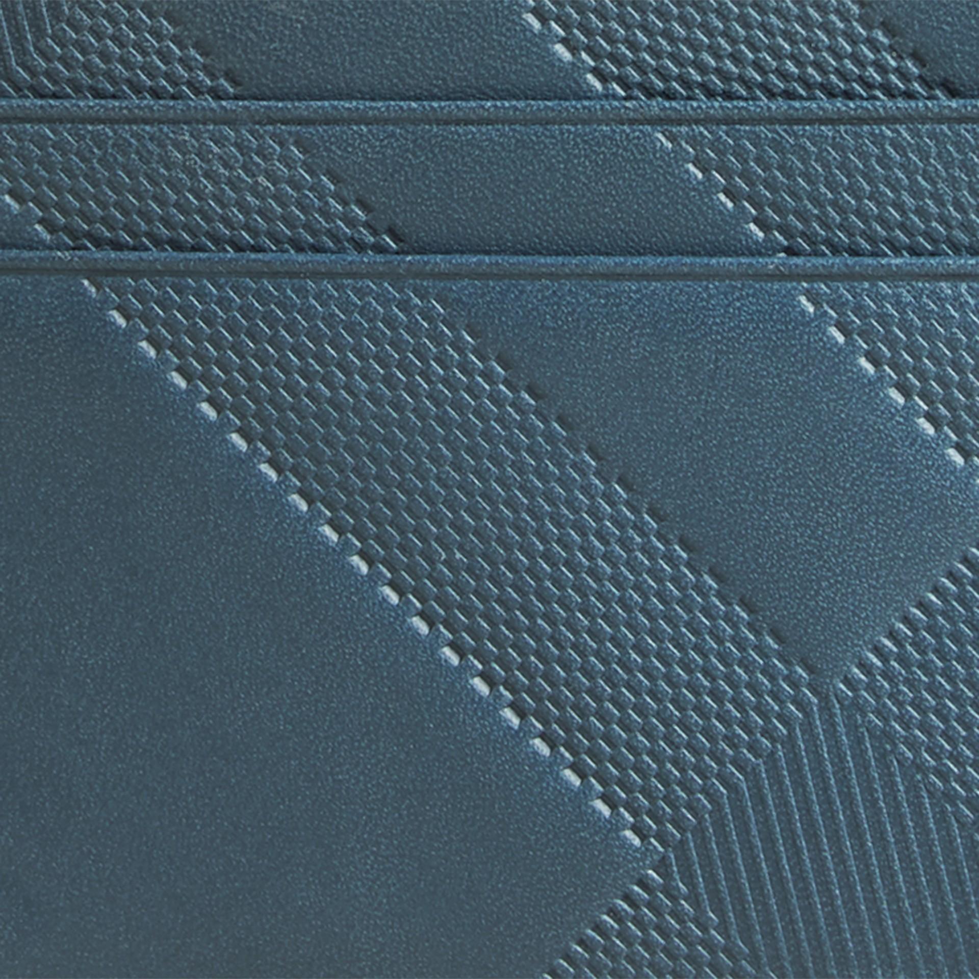 Bleu acier Porte-cartes en cuir à motif check en relief Bleu Acier - photo de la galerie 2