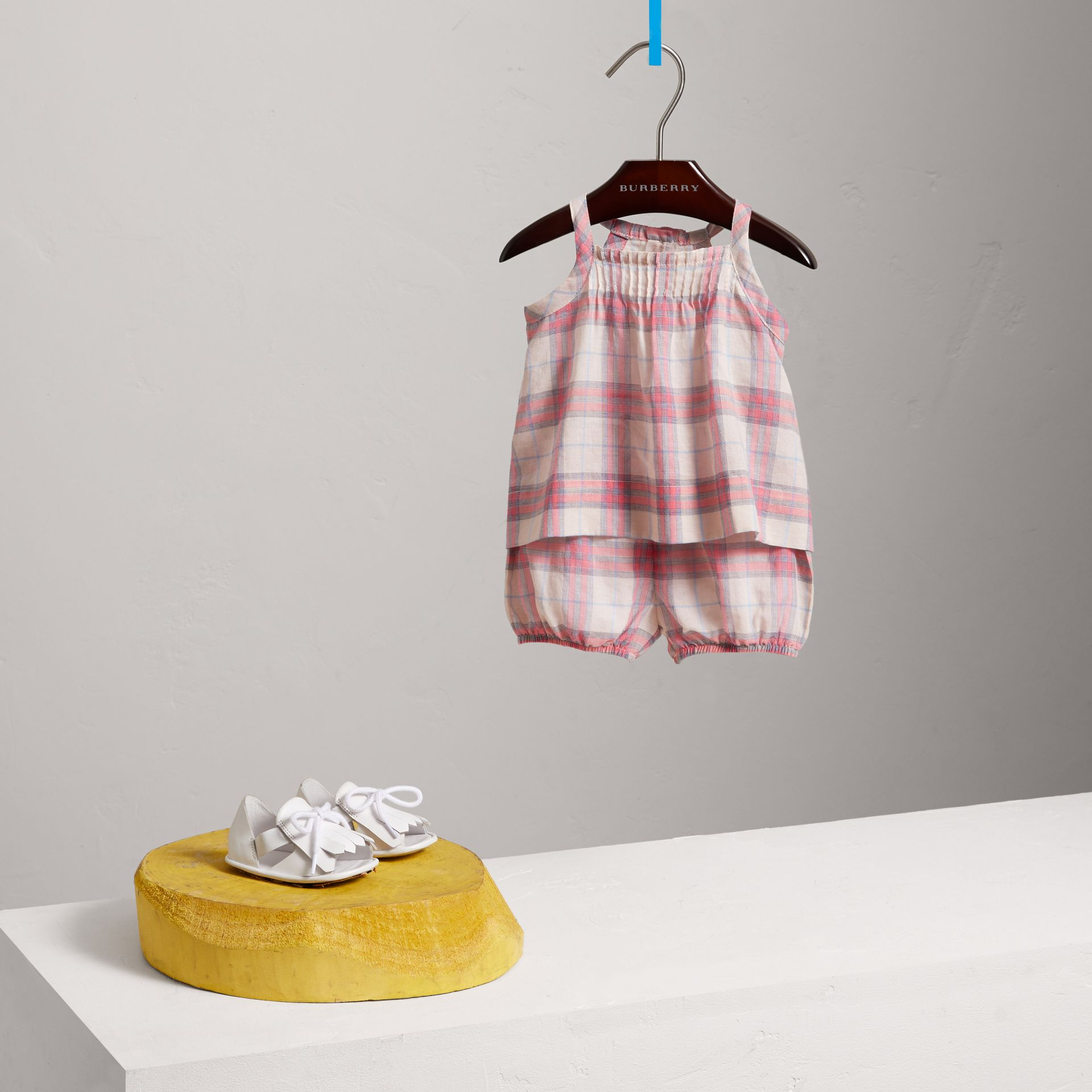 Check Cotton Two-piece Baby Gift Set in Bright Coral Pink | Burberry - gallery image 0