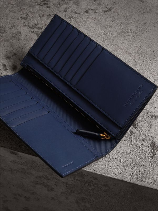 Trench Leather Continental Wallet in Ink Blue - Men | Burberry United Kingdom - cell image 3