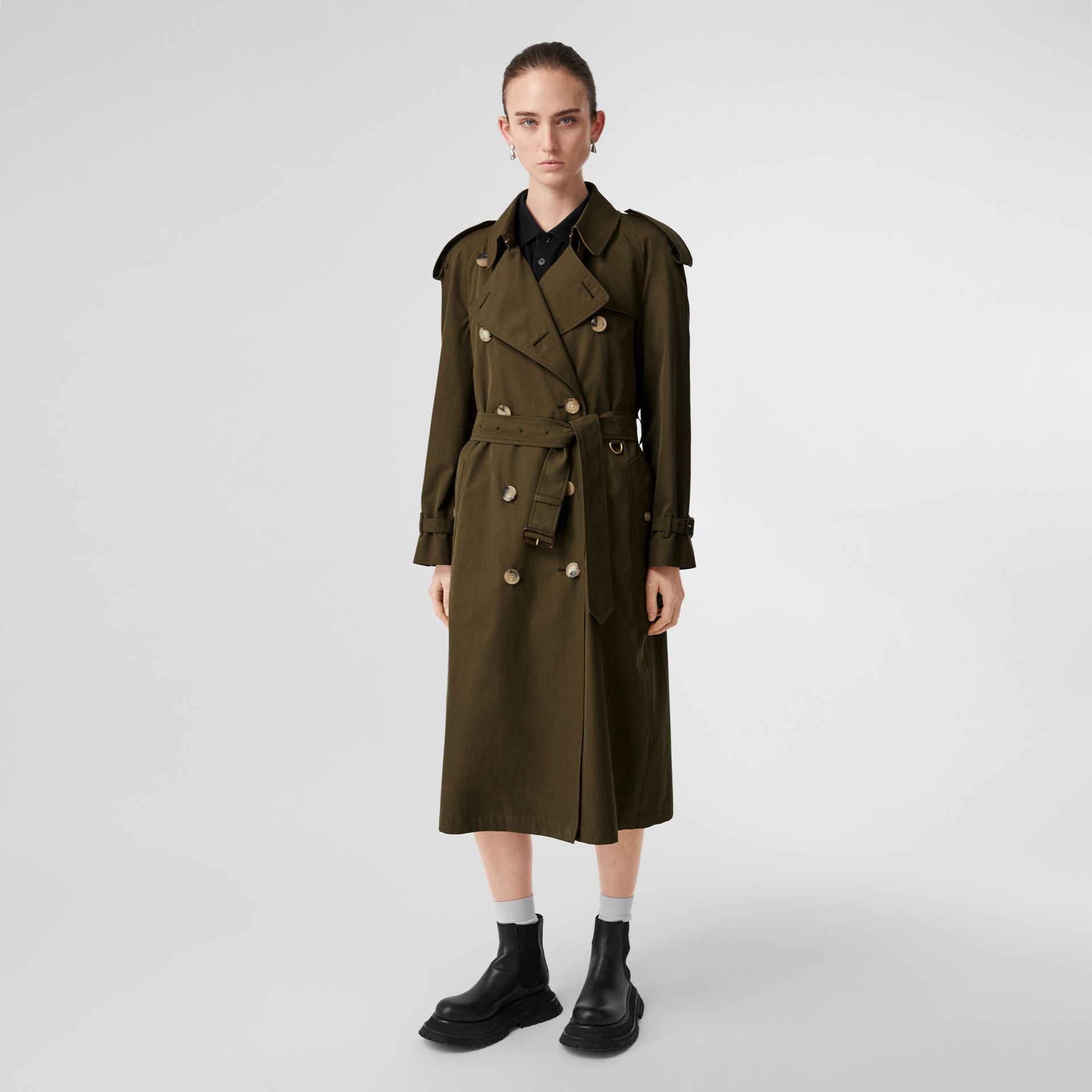 The Long Westminster Heritage Trench Coat in Dark Military Khaki - Women | Burberry United Kingdom - gallery image 7
