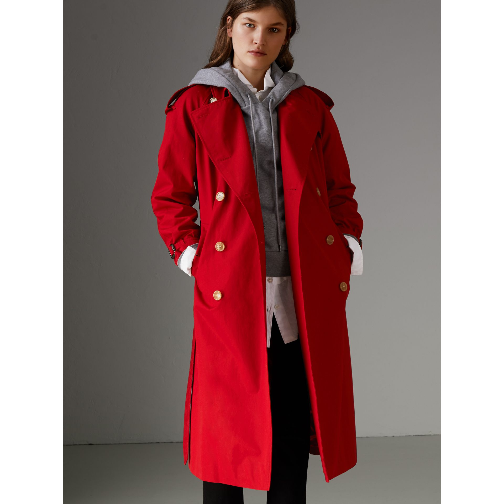 Raglan-sleeve Cotton Trench Coat in Parade Red - Women | Burberry Singapore - gallery image 5