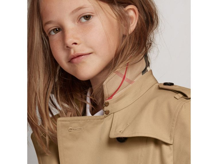 The Sandringham – Heritage Trench Coat in Honey - Girl | Burberry United States - cell image 1
