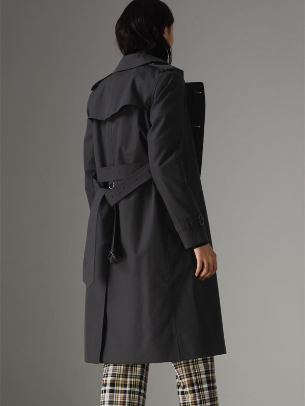 The Long Kensington Heritage Trench Coat in Midnight - Women | Burberry Canada - cell image 2