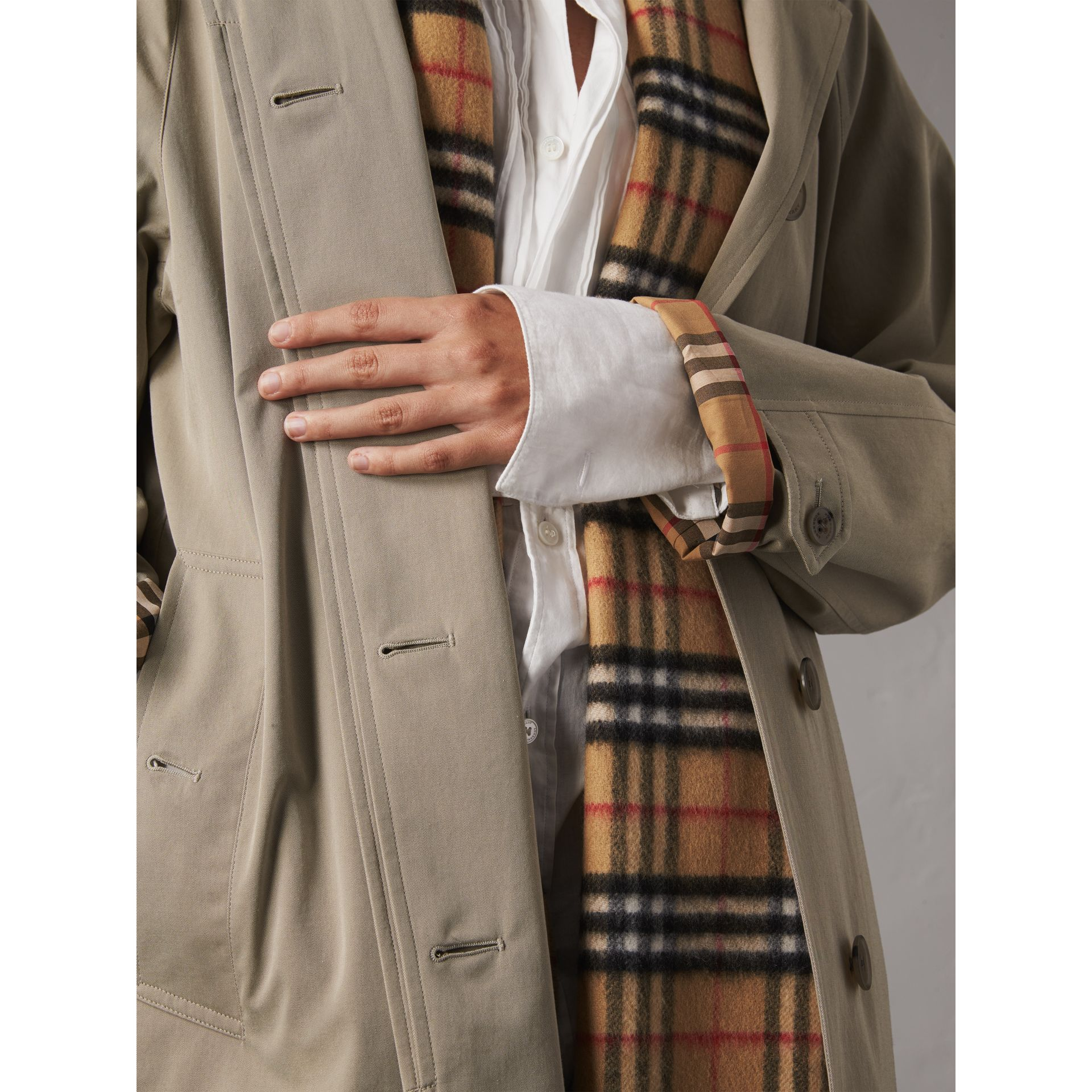 The Camden – Long Car Coat in Sandstone - Women | Burberry Singapore - gallery image 5