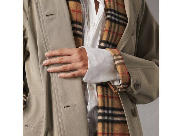 The Camden – Long Car Coat in Sandstone - Women | Burberry Singapore - cell image 4