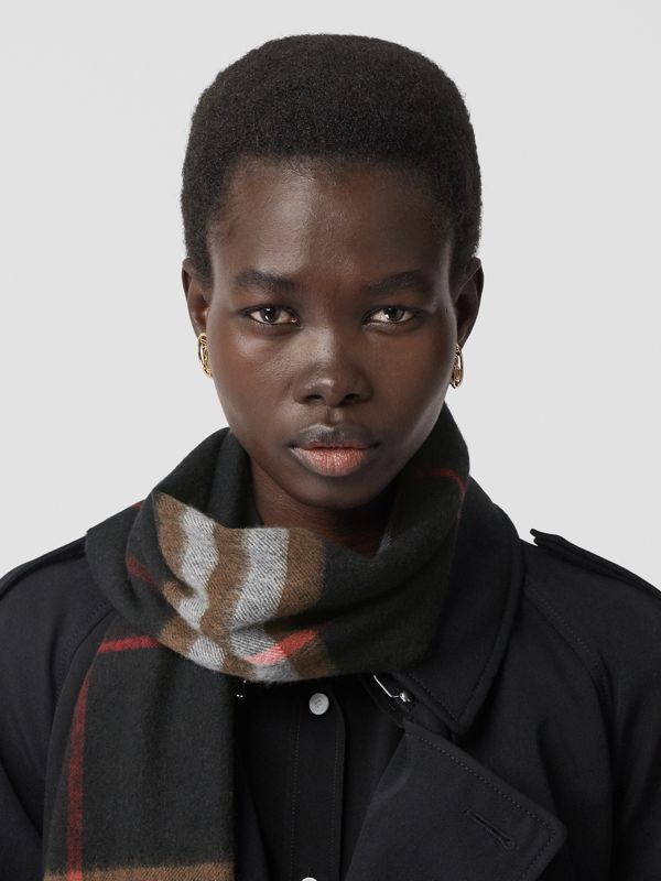 The Classic Check Cashmere Scarf in Black/brown | Burberry Singapore - cell image 2