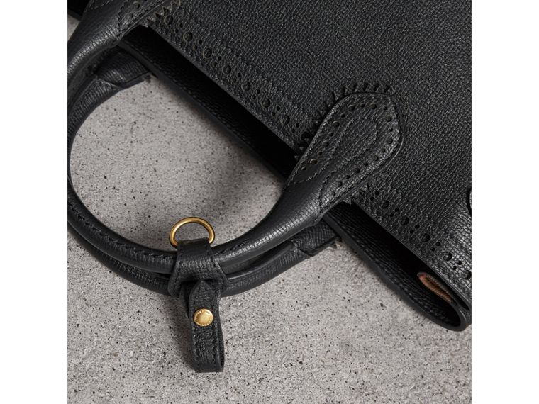 The Medium Banner aus Leder mit Brogue-Detail (Schwarz) - Damen | Burberry - cell image 1