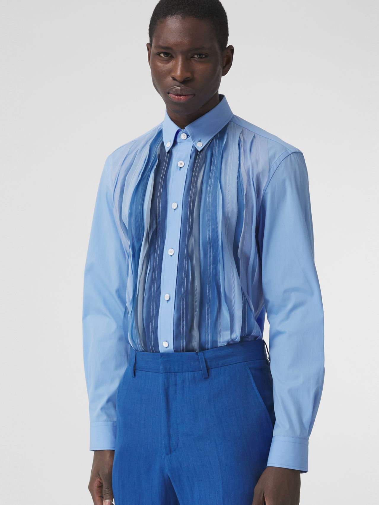 Classic Fit Pleated Silk Panel Cotton Shirt in Vivid Cobalt