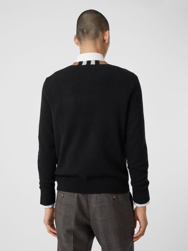 Jersey en cachemir con detalle a rayas Icon Stripe (Negro) - Hombre | Burberry - cell image 2