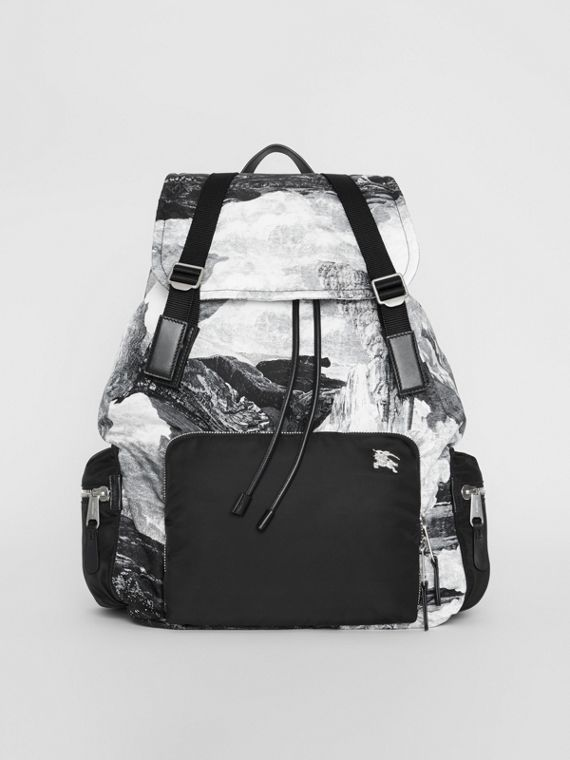 The Extra Large Rucksack in Dreamscape Print in Black/white