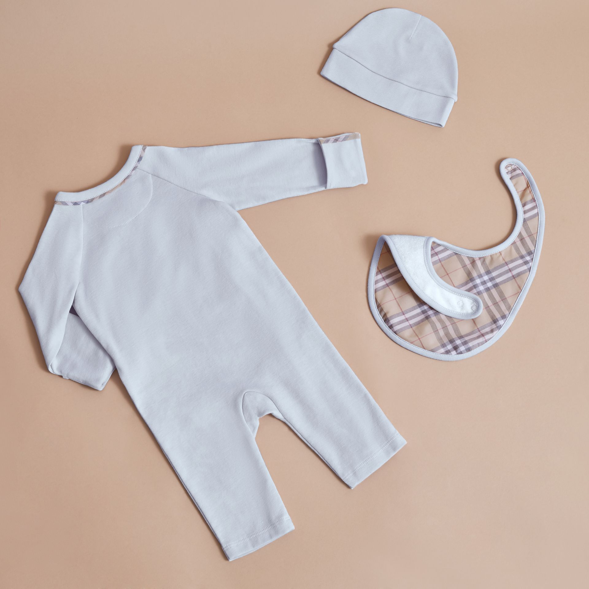 Cotton Three-piece Baby Gift Set | Burberry Singapore - gallery image 3