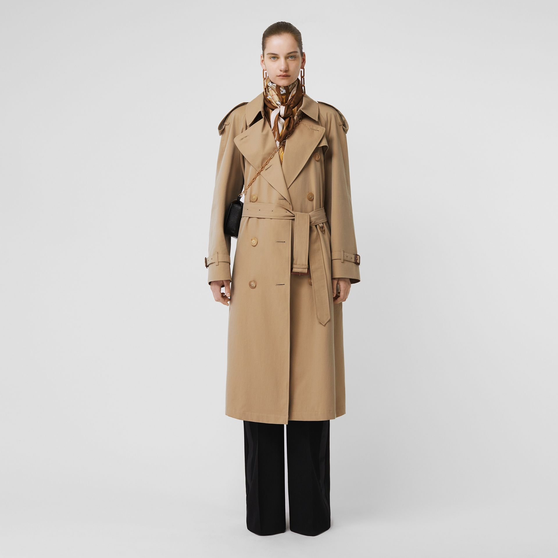 The Long Westminster Heritage Trench Coat in Honey - Women | Burberry United Kingdom - gallery image 0