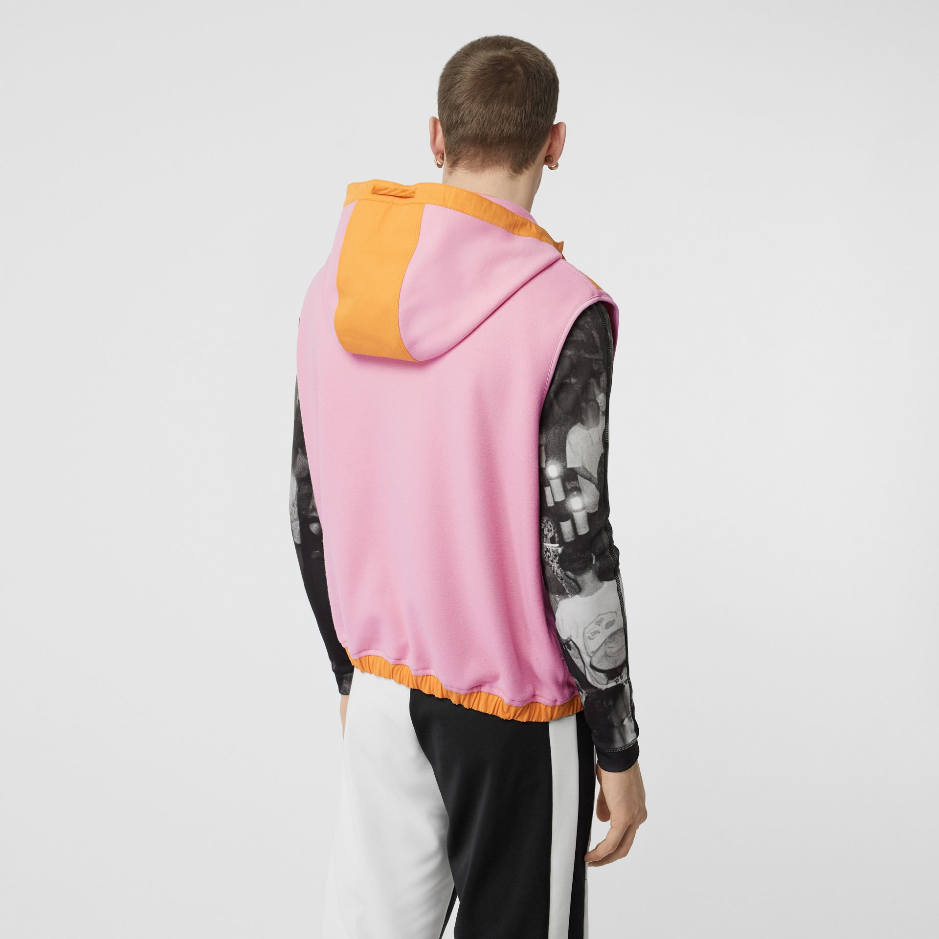 Sleeveless Logo Graphic Wool Hoodie in Candy Pink - Men | Burberry - gallery image 2