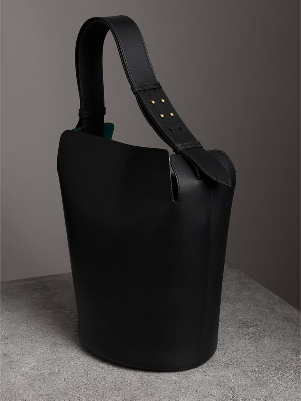 The Large Leather Bucket Bag in Black - Women | Burberry Canada - cell image 3